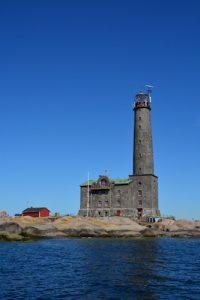 Leuchtturm an der Küste Finnlands